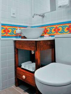 07-banheiros-pequenos-que-fogem-do-convencional.jpeg (463×613)