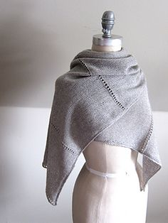 Both elegant and minimalist, our Aisé wrap is the perfect warm weather accessory.