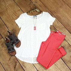 Vent Haven Top is spring ready! This charming slub top has short sleeves, scoop neckline, hi-lo hem and front pocket.