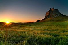 © Graeme Campbell Lindisfarne Castle, England  Sited atop the volcanic mound known as Beblowe Craig, Lindisfarne Castle is one of the most distinct and picturesque features of the Island and can be seen for many miles around.