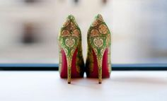 The Perfect Print Bridal Sandals, Bridal Shoes, Punjabi Traditional Jewellery, Pastel Shoes, Indian Shoes, India Wedding, Green Heels, Princess Shoes, Wedding Heels