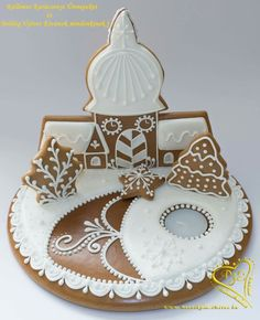 Gingerbread Houses, Xmas Crafts, Tiered Cakes, Food Art, Cookies, Christmas Ornaments, Holiday Decor, Wafer Cookies, Decorated Cookies