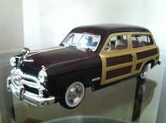 *** NEW ** 1949 Ford Woody Wagon Diecast 1:24 Die Cast Cars by Showcasts
