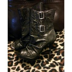 Cute closet alert! Shop brendarox921's closet on @poshmark. Join with code: PDOIQ for a $10 credit!
