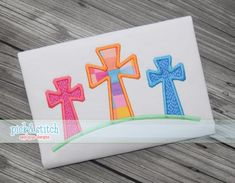 3 Crosses Easter Applique Design Machine by pickandstitch on Etsy Embroidery Files, Embroidery Applique, Embroidery Stitches, Applique Designs, Embroidery Designs, Applique Ideas, Pick Stitch, Machine Embroidery Projects, Cricut Creations