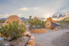 Bonita Domes~West Pod - Earth Houses for Rent in Joshua Tree, California, United States / The Green Life <3