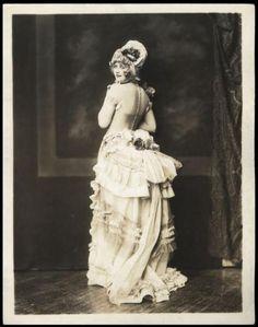 Ziegfeld Follies In 1920 | ziegfeld-follies:Myrna Darby - 1920sPhoto: Alfred Cheney Johnston (Via ...