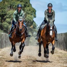 Can't stop smiling when I see this picture! All dressed up in our 'Spring Olive' section Equestrian Outfits, Equestrian Style, Equestrian Fashion, Pretty Horses, Beautiful Horses, Ranch Riding, Horse Fashion, Horse Quotes, English Riding
