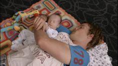 @offspringonten  sobs - Jimmy and bubs snuggling on their #Weegoamigo 'Nora' Crochet Blanket