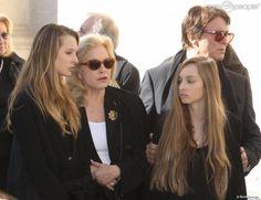 2015 - Mars - Sylvie Vartan & Granddaughters