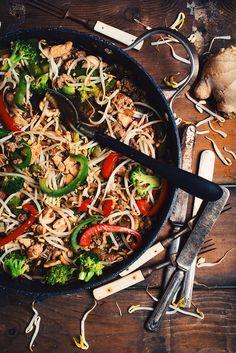 Chop Suey, Confort Food, Good Food, Yummy Food, Asian Recipes, Ethnic Recipes, Chow Mein, Yams, Stir Fry