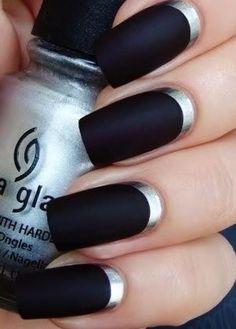 Silver Half Moon Black Nail Art