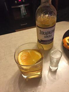 W drineczku z sokiem jabłkowym i plasterkiem pomarańczy #zoladkowazfiga też smakowała wybornie. #nowazoladkowazfiga #zoladkowagorzka