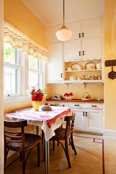 Friendly Kitchen in a 1912 Foursquare | Old House Restoration, Products & Decorating