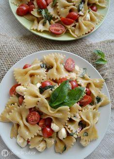 14 ensaladas ligeras para cenar   Cocina Caprese Pasta, Pasta Salad, Kitchen Recipes, Cooking Recipes, Healthy Snacks, Healthy Recipes, Food And Drink, Veggies, Lunch