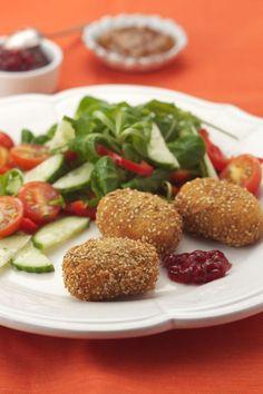 Rezept: Géramont im Sesammantel. Heißer Käse auf Blattsalat, wärmstens empfohlen. #cestbon