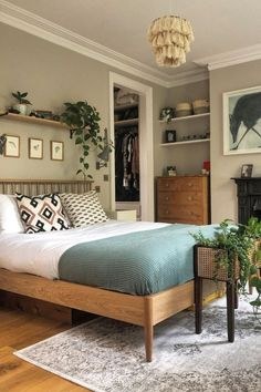 Essential Factors Of a Good Bedroom Design – Bedroom Inspirations 1930s Bedroom, Modern Bedroom, Modern Victorian Bedroom, Victorian Terrace Interior, Victorian Living Room, Natural Bedroom, Mid Century Bedroom, Bedroom Vintage, Minimalist Bedroom