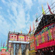 HONG KONG \ #tbt to last week's Bun Festival on Cheung Chau.  #bunsbunsbuns #beforethestorm #cheungchau #hongkong