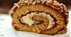 Рулет медовый с карамелью и арахисом. Все просто, быстро, а главное безумно вкусно. Пошаговые фото.