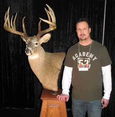 Johnny King with his massive white-tailed deer, which has been scored and officially deemed the world record by the Northeast Big Buck Club. Hunting Tips, Archery Hunting, Deer Hunting, Whitetail Hunting, Quail Hunting, Turkey Hunting, Big Whitetail Bucks, Big Deer, Deer Mounts