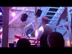 ▶ I Wanna Live Like A King---David Phelps Barn Bash 2012 - YouTube
