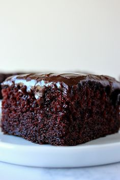 One-Bowl Chocolate Cake Recipe rich and decadent moist chocolate cake made in just one bowl. The fudgy frosting is irresistible! The post One-Bowl Chocolate Cake Recipe appeared first on Dessert Park. One Bowl Chocolate Cake Recipe, Chocolate Cake Recipe Easy, Best Chocolate Cake, Homemade Chocolate, Chocolate Desserts, Moist Chocolate Cakes, Simple Chocolate Cake, Making Chocolate, Chocolate Butter