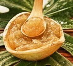 Cómo hacer un exfoliante de azúcar y miel