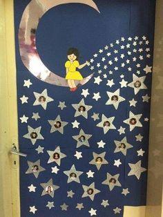 Space Classroom, Classroom Door, Classroom Design, Classroom Displays, Preschool Classroom, Decoration Creche, Class Door, Classroom Birthday, School Doors