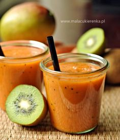 Smoothie z mango, kiwi i marchewką/ Mango, kiwi, carrot smoothie Carrot Smoothie, Fruit Smoothie Recipes, Raspberry Smoothie, Juice Smoothie, Smoothie Drinks, Healthy Juice Recipes, Healthy Juices, Healthy Smoothies, Raw Food Recipes