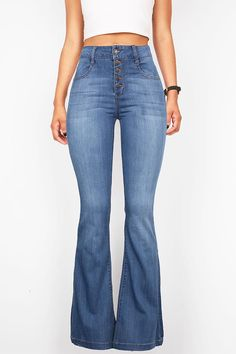 High rise fitted bell bottom jeans with a multi-button closure. Traditional 5-pocket jeans made of comfortable and super stretchy jegging material. *Machine Wash Separately *41% Cotton 27% Rayon 31% P