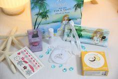 """Une box estivale et pleine de soleil, avec notre coffret """"Eva à Tahiti"""". Des cadeaux gourmands, girly, bio, fruités pour partir à la découverte de Tahiti avec Eva. Joeva Bien être Luxe Cocooning"""