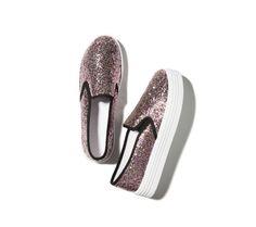 Třpytivé slip on tenisky Slip On, Shoes, Fashion, Over Knee Socks, Moda, Zapatos, Shoes Outlet, Fashion Styles, Shoe