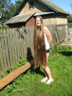 Hair Care Tips That You Shouldn't Pass Up – Hair Extensions Remy Long Brown Hair, Very Long Hair, Long Blond, Long Hair Ponytail, Soft Hair, Beautiful Long Hair, Dream Hair, Hair Photo, Clip In Hair Extensions