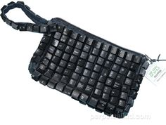 Go wireless with our techno savvy Recycled Keyboard Clutch Purse. It's made from recycled computer keyboard keys. Keyboard Keys, Computer Keyboard, Computer Humor, Diy Purse, Clutch Purse, Do It Yourself Fashion, Geek Girls, Geek Chic, Types Of Fashion Styles