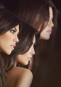 Damn I love this picture of the Kardashian sisters