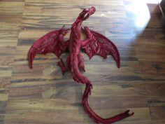 MODÈLE uniquement grand dragon inspiré par Smaug de Bilbo le Hobbit. Peut être enroulé autour des épaules ou presque nimporte quoi. 5 pieds de
