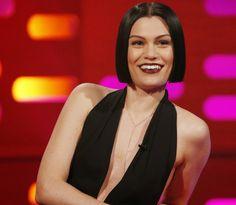 Cantante Jessie J muestra cómo cantar con la boca cerrada - Zona Pop Peru