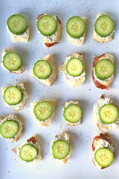 Lemony Cucumber Cream Cheese Bites - perfect treat for summertime entertaining!
