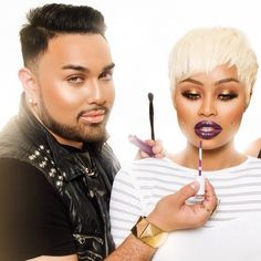 """How sickening is this #macdaddyybeatdown?  Makeup 101 classes! If you're in the Los Angeles or neighboring area this is for you!!! Next class is this Sunday 3/9 at Lashed in Encino Ca!  Ill be teaching you how to balance and shape brows, a clean contoured eye look, how to create the perfect eyeliner and apply a strip of lashes!  Don't miss out! hosted by @▲Čhynå▲™  To register visit: www.lashedbar.co under the """"makeup 101"""" tab  #Padgram"""