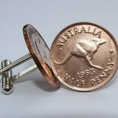Dress for success with our iconic Australian Halfpenny Coin Cufflinks featuring the Aussie Kangaroo. Stylish and original, they are the perfect gift.