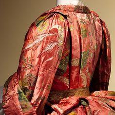 Mantua (image 5) | British | 1708 | silk, metal | Metropolitan Museum of Art | Accession Number: 1991.6.1a, b
