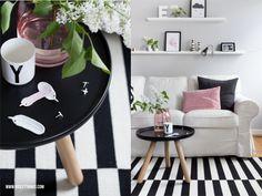 Wohnzimmer, living room, sitting / grey walls, black and white, pastels / Bilderleiste, Teppich, rug, coffee table / Normann Copenhagen, Ikea, Design Letters, by Nord