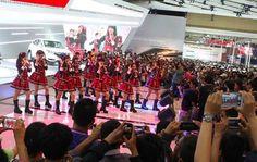 Wow JKT48 manggung di event IIMS 2014 sore ini yuk ah | Mobimu - Review Trend Otomotif Terbaru