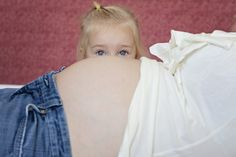 i usually hate maternity pics but this one is funny ;)