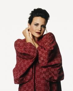 Carla Gugino by Sven Arnstein, 1994 Carla Gugino, Julianna Margulies, Connie Britton, Italian Actress, Celebrity Portraits, Without Makeup, You're Beautiful, Girl Crushes, American Actress