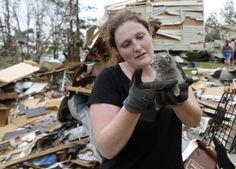 Moving Stories Of Oklahoma Tornado Victims Finding Their Pets Amid The Destruction