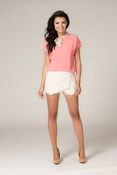 Jasno beżowe spódnico-spodnie White Shorts, Short Dresses, Women, Fashion, Short Gowns, Moda, Fashion Styles, Fashion Illustrations, Mini Dresses