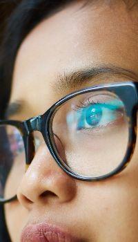 Girl eyeglasses specs close-up Glasses Wallpaper, Eyes Wallpaper, Images Of Glasses, Vision Eye, Girls With Glasses, Specs, Close Up, Eyeglasses, Eye Makeup
