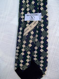 Valentino vintage tie silk baroque print by CHEZELVIRE on Etsy, $12.00 Neckties, Baroque, Valentino, Silk, Trending Outfits, Unique Jewelry, Handmade Gifts, Etsy, Vintage