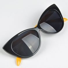 7c101f4c39 Lovely Cat Eye UV Protection Anti-Radiation Women Sunglasses Vintage Goggles  Dark Glasses oculos de